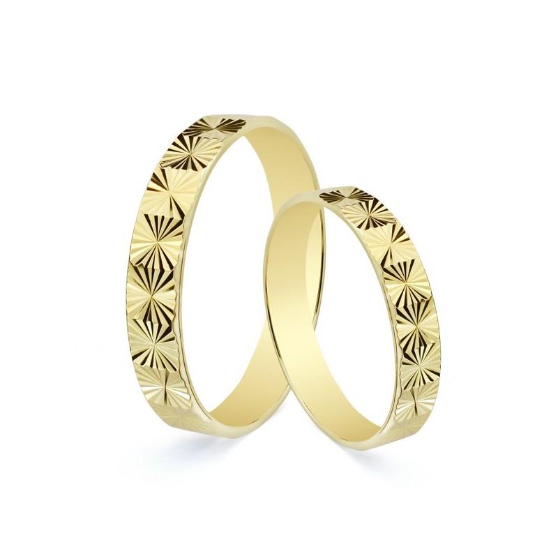 Anillo de boda en oro 9 kilates amarillo tallado